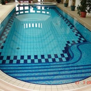 wykonczenie-wykladzina-basenowa