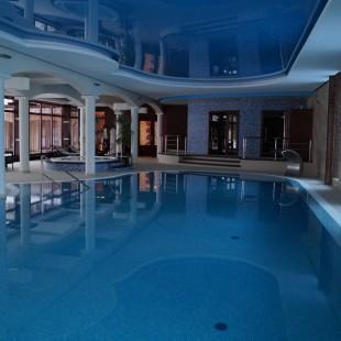 galeria-baseny-z-rynna-przelewowa-13