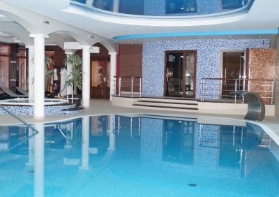 baseny-z-rynna-przelewowa